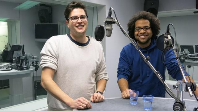 Kilian Spinnler und Wiliam Bejedi im Radiostudio.