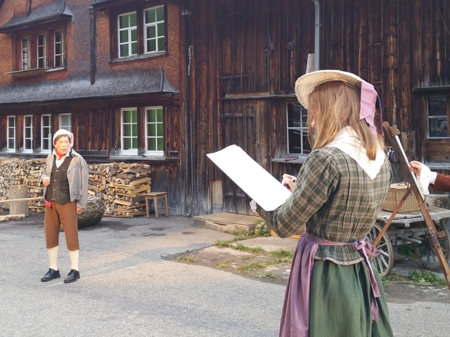 Zwei Schauspieler während den Proben