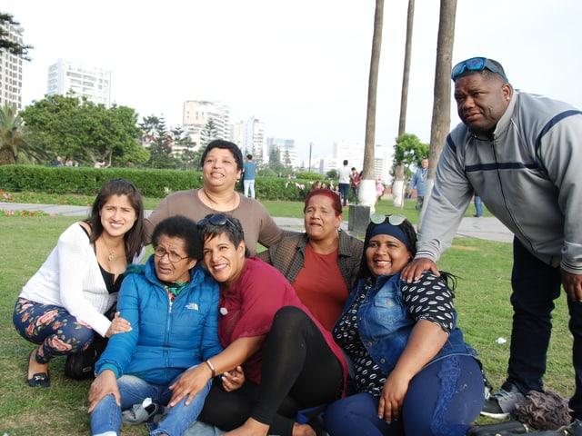 Letztes Treffen vor Abreise in Lima: Corinne Studer mit ihrer leiblichen Familie.