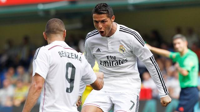 Cristiano Ronaldo und Karim Benzema feiern einen der zahlreichen Treffer von Real Madrid.