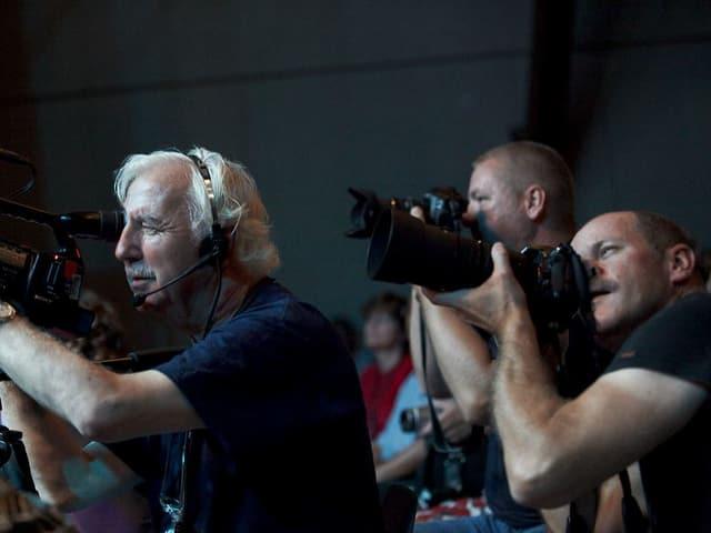 Fotografen am Bühnenrand