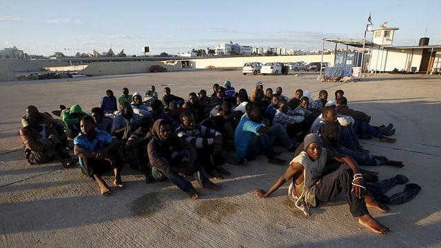 Fugitivs ch'han empruvà adumbatten da bandunar la Libia en direcziun Europa.