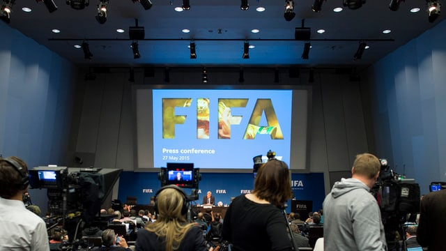 Schurnalists en la sala da conferenzas da medias da la Fifa.