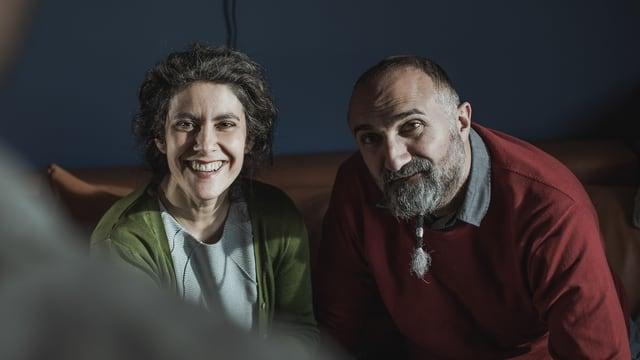 Şenay (Beren Tuna) und Mesut (Yilmaz Atmaca)