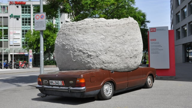 Ford Taunus Ghia cun rucla da beton