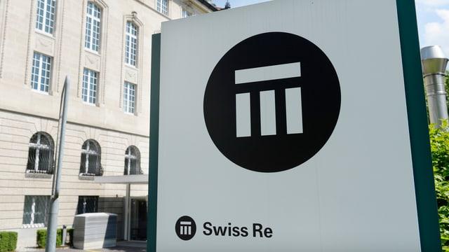 logo da la Swiss Re avant il bajetg a Turitg