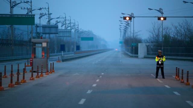 Leere Strassen in Kaesong, Nordkorea.