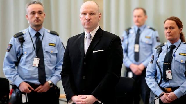 Massenmörder Anders Behring Breivik im Gerichtssaal.