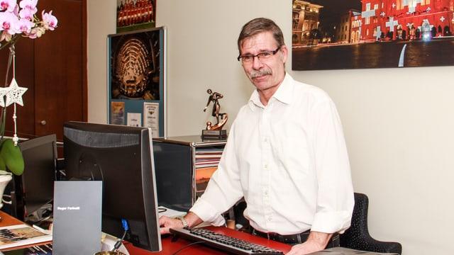 Der Herr der Schlüssel: Roger Farinelli