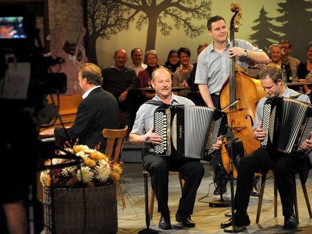 Das Akkordeon-Duo Martin Suter.