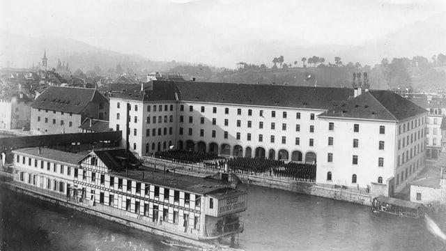Historische Aufnahme der Kaserne und des Alten Zeughauses