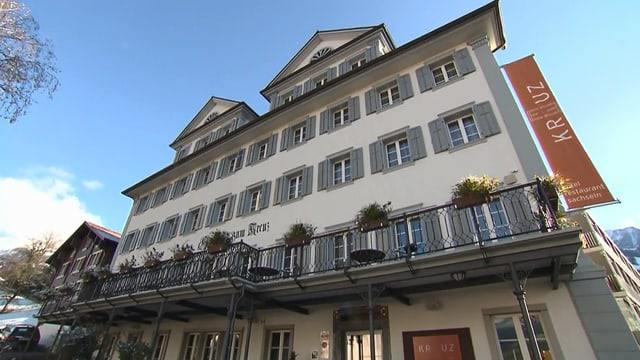 Video «Hotel Kreuz in Sachseln (OW) - Tag 1» abspielen