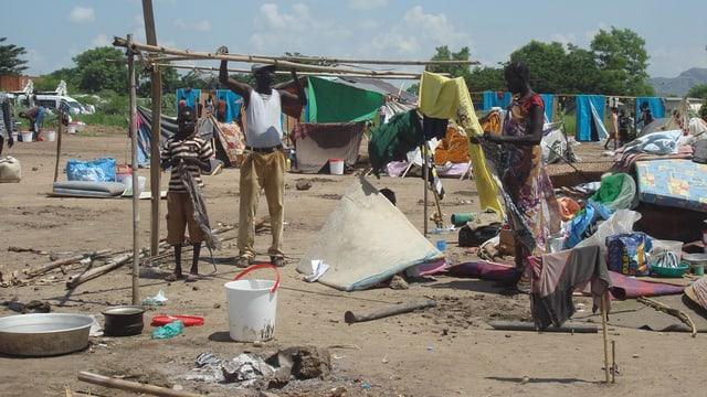 Famiglia en il Sudan dal Sid che sto cumbatter per surviver.