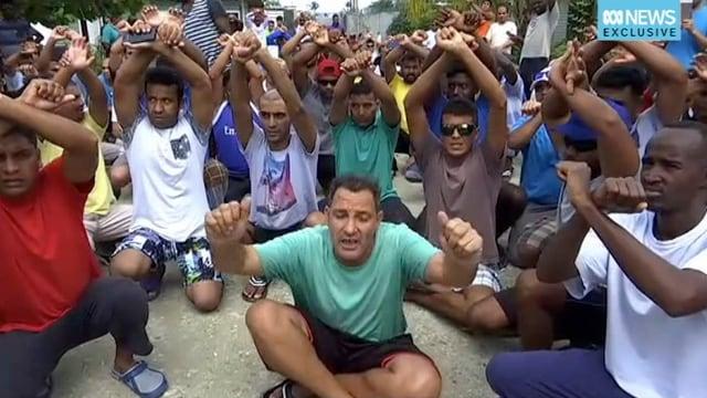 Asylsuchende protestierten Ende Oktober gegen die Lagerschliessung auf Manus Island.