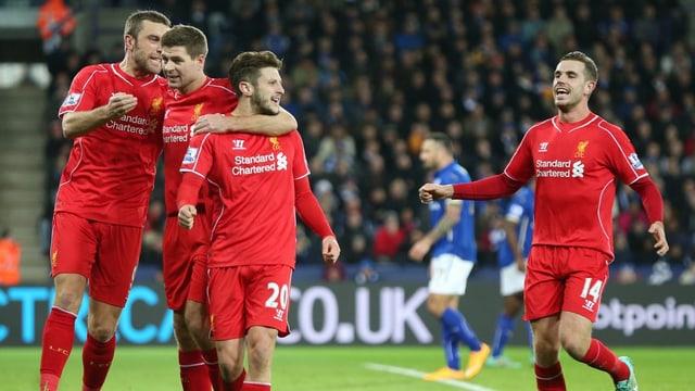 Die «Reds» bejubeln den Ausgleichstreffer zum 1:1.