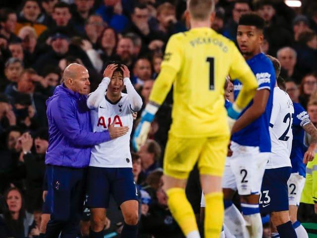 Nach Gomes Horror Verletzung Rote Karte Gegen Tottenhams