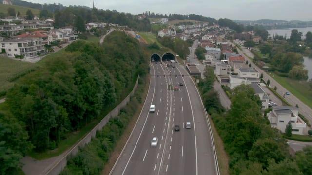 Nordportal Tunnel Eich, A2 quer durch Eich LU am Sempachersee