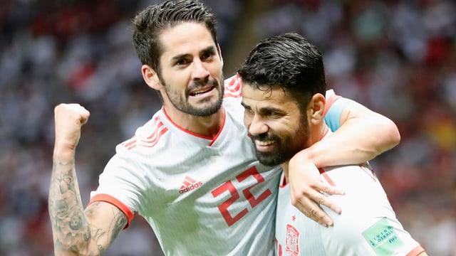 Diego Costa celebrescha suenter avair sajettà in gol.