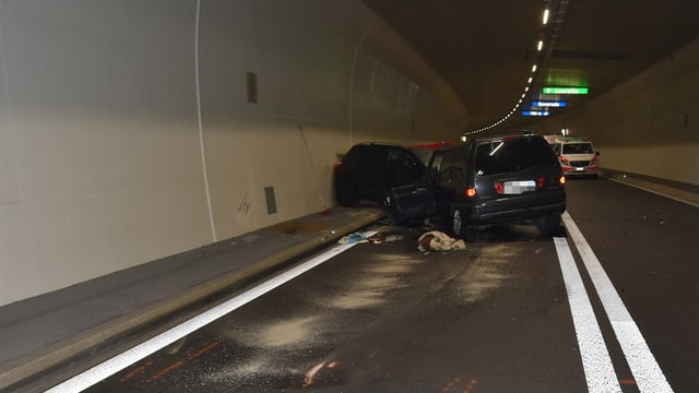 L'accident mortal sin l'A13 en il tunnel San Fedele.