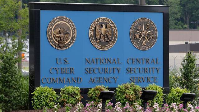 Vista sin ina tavla cun inscrit NSA.