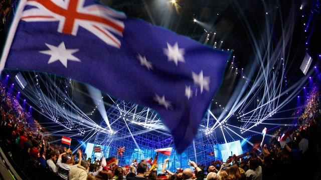 Australische Flagge vor einer Konzertbühne.