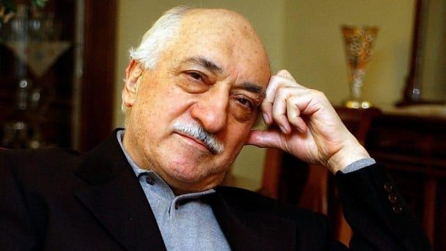 Fethullah Gülen – l'um en il center da la cuntraversa