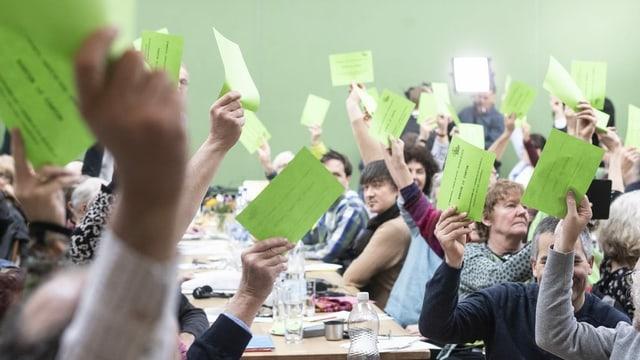 Votaziun a la radunanza.