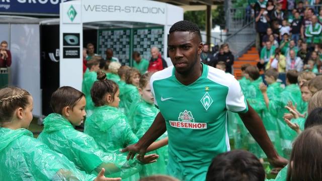 Ulisses Garcia bei der Vorstellung der neuen Werder-Mannschaft.