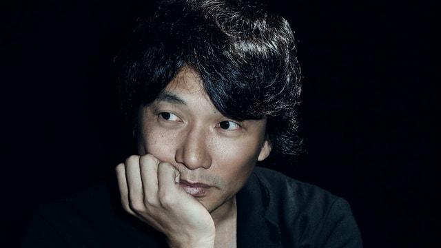 Eim Portrait des Gameentwicklers Fumito Ueda.