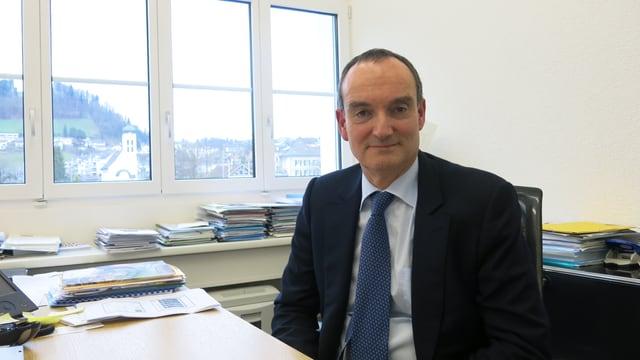 Der CEO Paul Note der Geistlich Pharma AG sitzt in seinem Büro in Wolhusen.