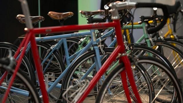 Bunte Rennvelos: Sie wurden im März 2013 an der Designmesse Blickfang in Basel ausgestellt.