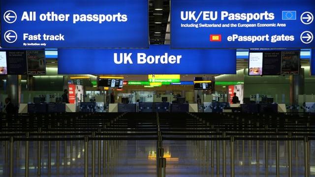 Zollstation an der britischen Grenze.