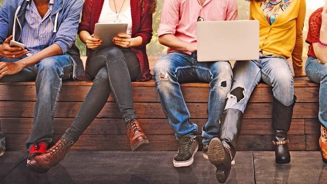 Junge Erwachsene: Sie mit politischen Themen zu erreichen, ist für Medien nicht ganz einfach.