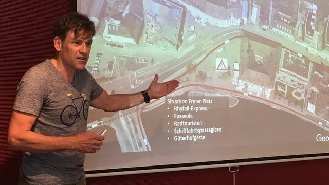 OK-Chef Marcel Zürcher erklärt die Verlegung des Schaffhauser Triathlons in die Stadt.