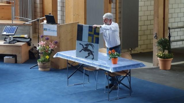 Christian Hassler mussa in panel solar tut spezial, a la Solar Show a Cazas.