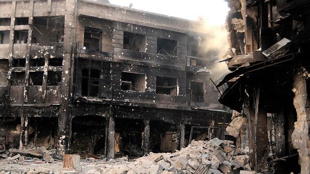 Zerbombte Häuser in Aleppo