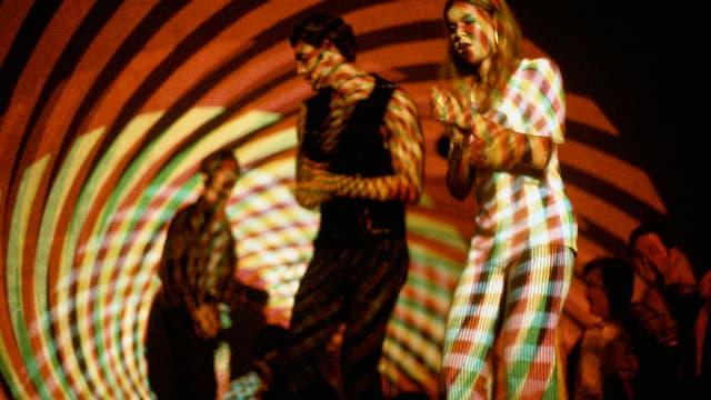 Overheadprojektoren, die in den 60er Jahren für ein psychodelisches Tanzgefühl sorgten.
