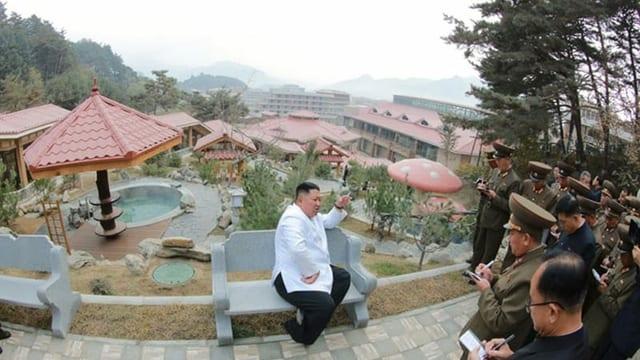 kim jong-un beim spa.