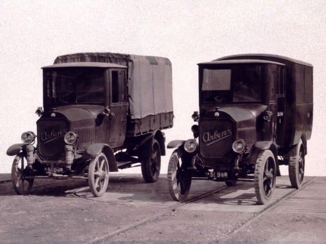 Fahrzeuge des Desinfektionsdiensts aus dem Jahr 1923.