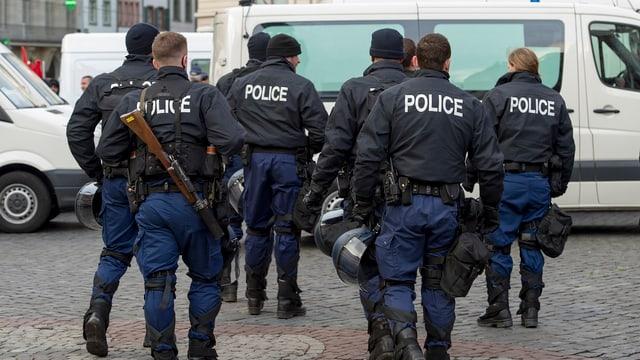 Basler Polizisten bei einem Einsatz
