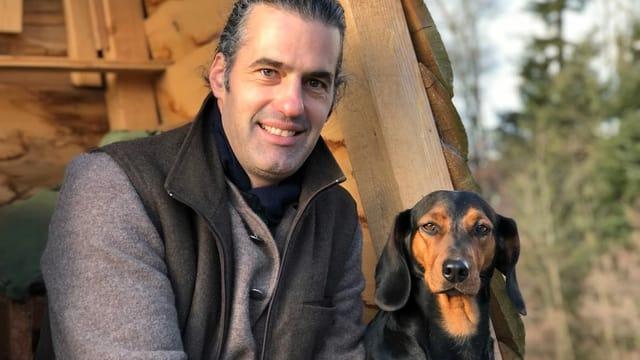 Bio-Bauer Nils Müller aus dem zürcherischen Forch praktiziert die Hof-Tötung seit mehreren Jahren mit Erfolg.
