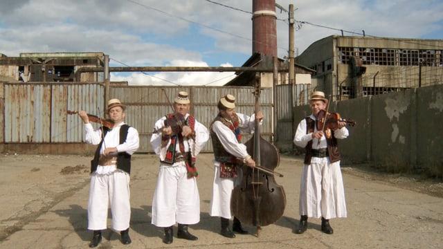 Video «Balkan Melodie – Seelenwärmende Klänge aus dem wilden Osten» abspielen