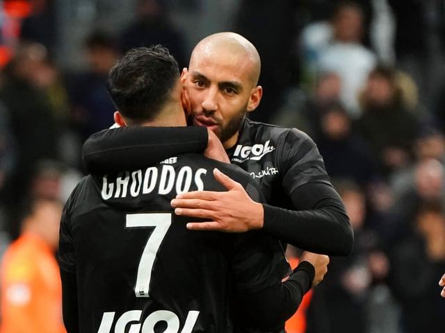 Saman Ghoddos und Haitam Aleesami von Amiens.