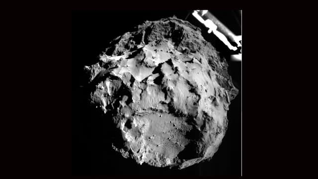 Der Komet 67P aus drei Kilometer Entfernung