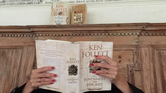 Annette König versteckt sich hinter dem Roman «Das Fundament