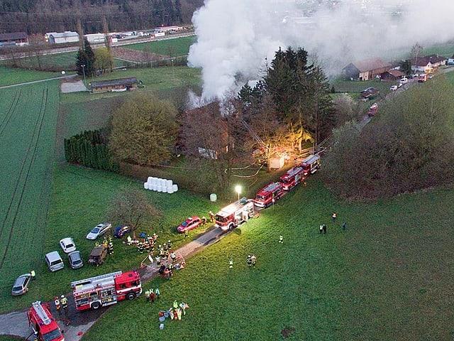 Drohenbild des Brandplatzes.