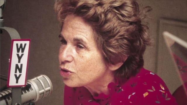 Dr. Ruth beim Radiosender