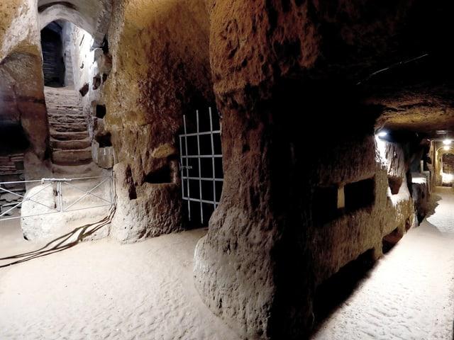 Unterirdischen Katakomben der Domitilla in Rom.