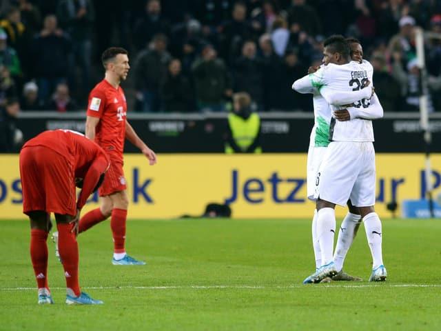 Gladbach-Spieler bejubeln ein Tor gegen die Bayern im Dezember 2019.