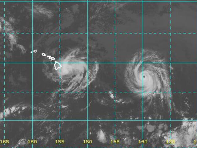 Tropensturm «Iselle» und Hurrikane «Julio» von oben.